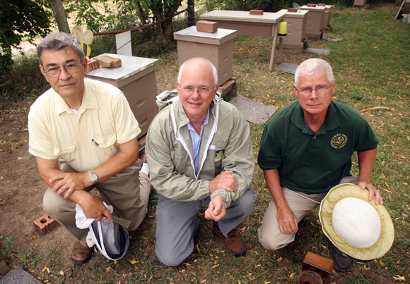 Dr. James Tew of OSU (center) with Central Ohio Beekeepers Dana Stahlman and John George. Photos BF